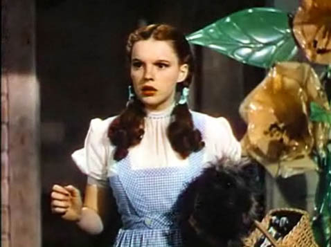 Judy_Garland_in_The_Wizard_of_Oz_trailer_4